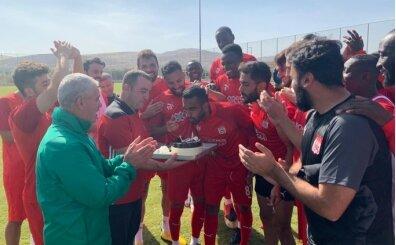 Goiano'ya takım arkadaşlarından doğum günü sürprizi