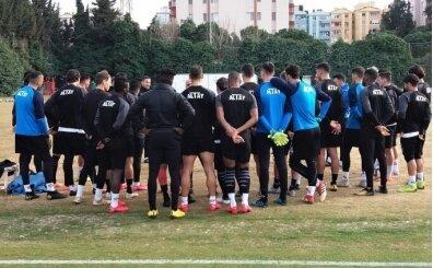 Altay'da futbolcular bireysel antrenmanlarını sürdürüyor