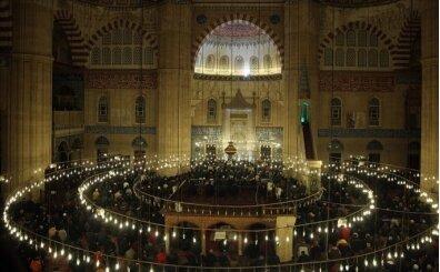 İstanbul namaz saatleri, 7 Nisan Salı namaz saatleri kaçta?
