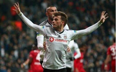 Adem Ljajic Beşiktaş'ta kaldı