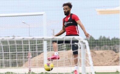 Nazım Sangare'nin Fenerbahçe'ye transferi açıklandı