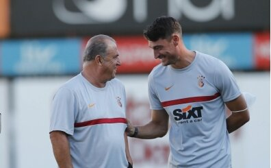 Galatasaray'da yeni yardımcı Albert Riera oldu