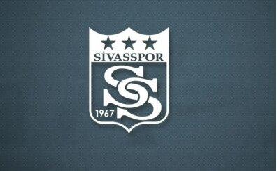 Sivassporlu genç futbolcuları taşıyan otobüs şarampole indi