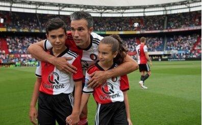 Bu isimleri yeniden duyabilirsiniz: van Persie ve Bergkamp