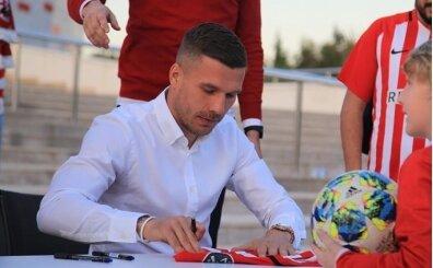 Lukas Podolski: 'Köln'e dönebilirim ama tek seçenek bu değil'