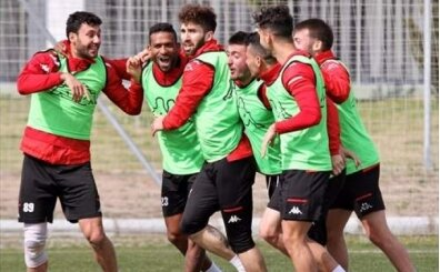 Antalyaspor'da 3 pozitif vaka açıklandı