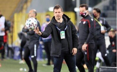 Emre Belözoğlu'ndan futbolculara mesaj: 'Yapmayana forma yok'