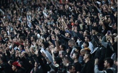 Beşiktaş tribünleri derbiye hazır