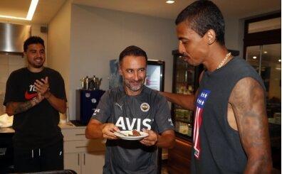 Fenerbahçe'de Luiz Gustavo'ya sürpriz kutlama