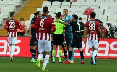 Antalyaspor'da isyan: 'Her maçtan sonra ADALET diye mi bağıralım?'