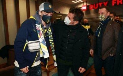 Fenerbahçe, Mesut Özil'in lisansını çıkardı