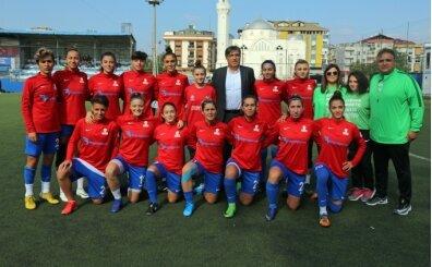 Ataşehir Belediyespor, Turkcell Kadın Futbol Ligi'nde iddialı