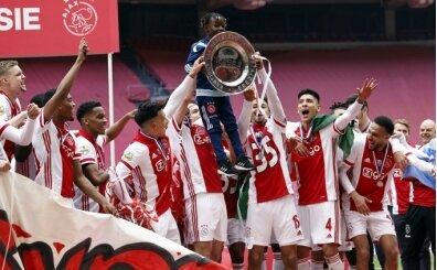 Ajax şampiyonluk kupasını eritti, yıldız şeklinde taraftarına gönderdi