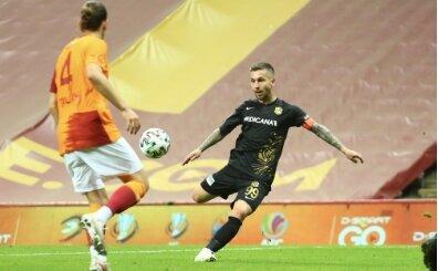 Yeni Malatyaspor'da Süper Lig'de kalmanın mutluluğu yaşanıyor