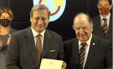 Galatasaray'da Burak Elmas mazbatasını aldı