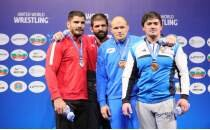 Dünya Güreş Şampiyonası'nı 4 madalya ile tamamladık