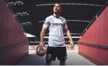 Podolski, hem transfer oluyor, hem kebapçı açıyor!