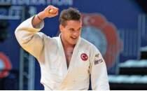 Mikail Özerler bronz madalya kazandı