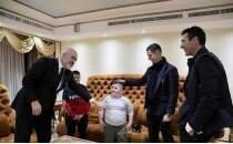 Ronaldo ve Buffon depremzede çocuklara buluştu