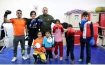 Boksör baba ve 6 çocuğunun hedefi ringlerde başarıya uzanmak